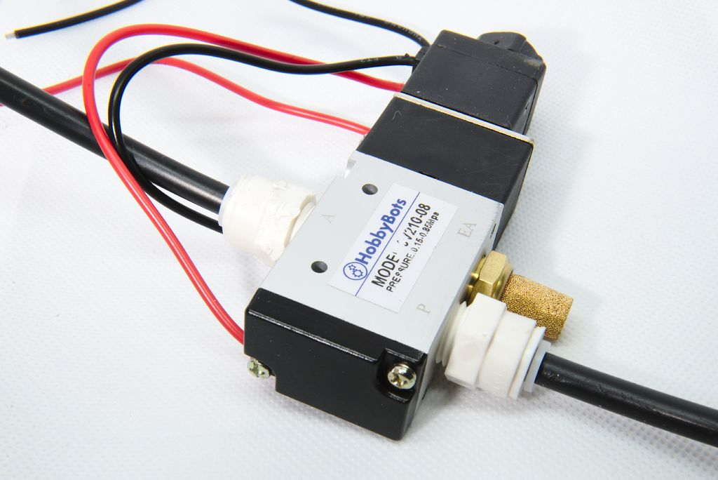 "3-way solenoid with 1/4"" ports"